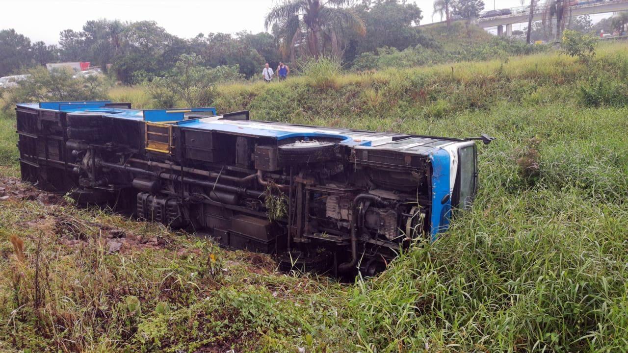 Ônibus na SC-403